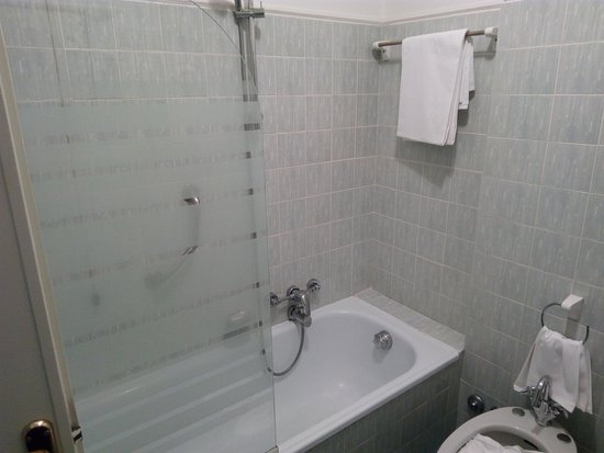 Oriago di Mira, Italien: Vetro doccia corto