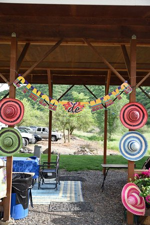 Swiftwater RV Park: Group gathering area