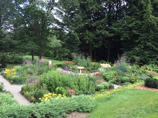 Woodstock, VT: Gardens at the estate.