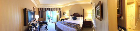Fairmont Grand Del Mar: Panoramic Photograph of My Room