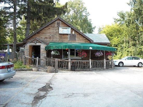 Restaurants Near Cumberland And Foster