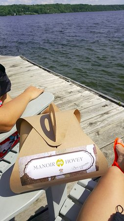 North Hatley, Kanada: We ordered a picnic to go for our boat ride