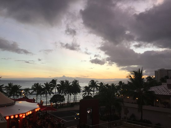 Aston Waikiki Beach Hotel Photo