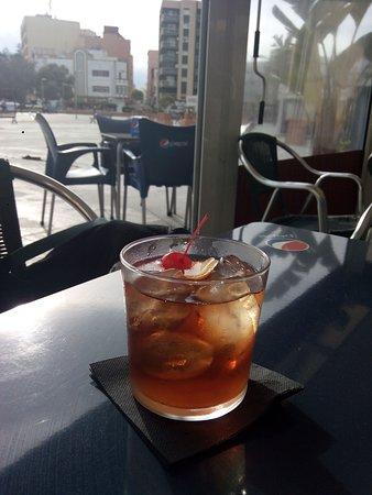 imagen Shumi's Cocktail Bar en La Línea de la Concepción