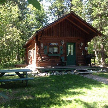 Swan Lake Cabins: Big Sky Cabin