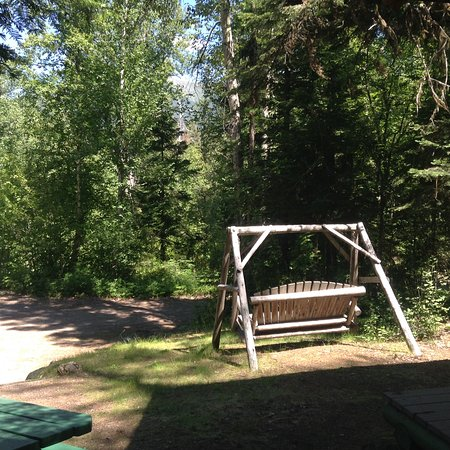 Bigfork, MT: Cowboy cabin swing