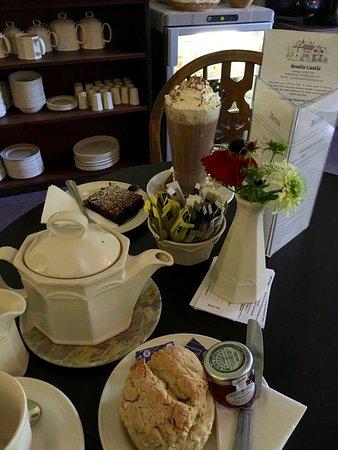 Forres, UK: Afternoon tea at Brodie Castle