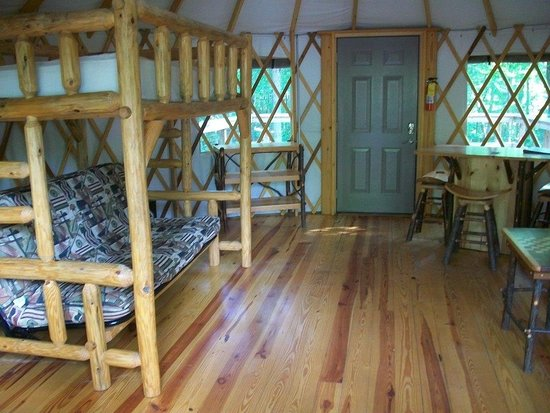 Cloudland Canyon State Park Cabins : Half of the room