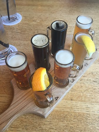 Oak Creek Brewery & Grill: photo0.jpg