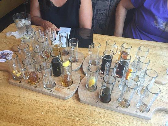 Oak Creek Brewery & Grill: photo1.jpg
