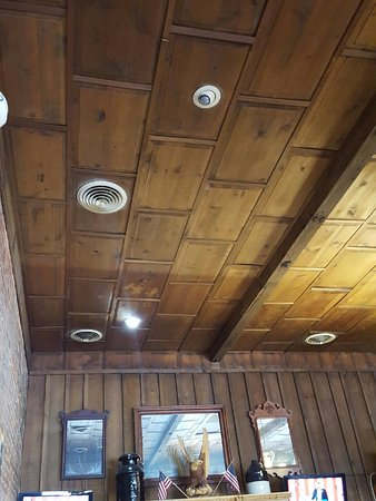 Summerville, SC: wood ceiling