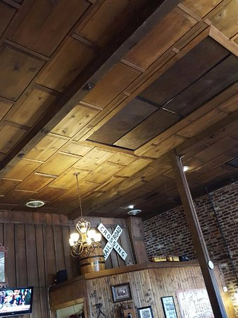 Summerville, SC: wood panel ceiling
