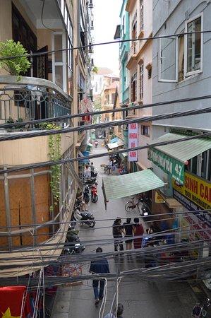 """Hanoi Hibiscus Hotel: Dieser """"Kabelsalat"""" ist typisch"""