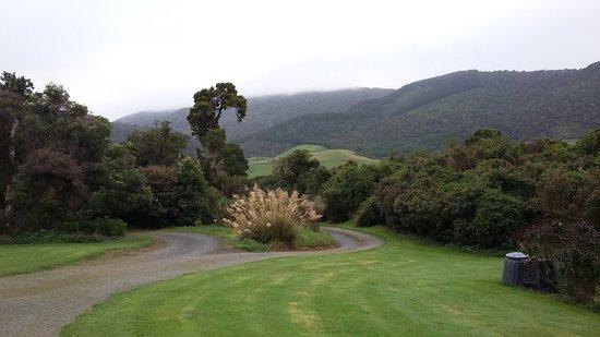 Owaka, Nuova Zelanda: devant le bâtiment de notre hôtesse