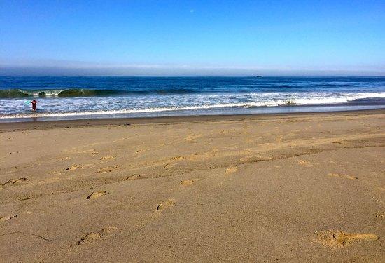 San Clemente, CA: 9am on the beach