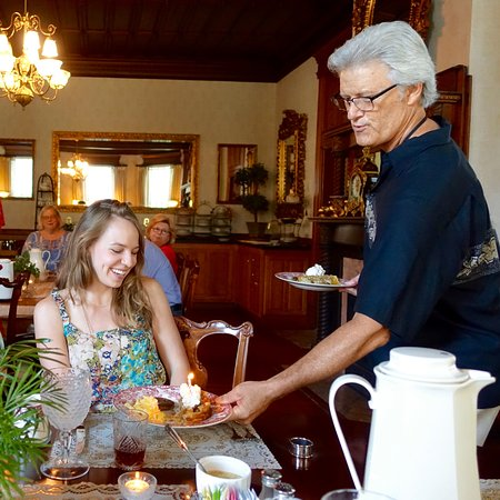 North Augusta, SC: Innkeeper Kelly delivers food and fun