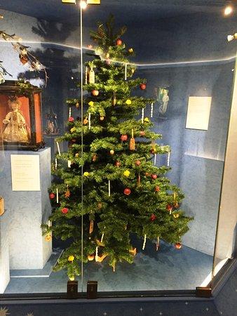 German Christmas Tree.Christmas Tree Picture Of German Christmas Museum