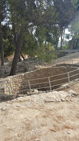 Knossos Archaeological Site: 20160629_091416_large.jpg