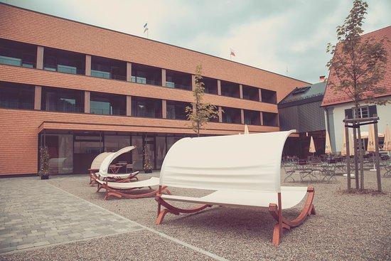 Kisslegg, ألمانيا: Hotelansicht vom Garten