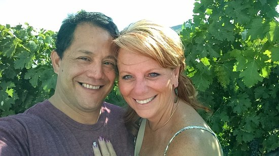 Temecula, Kalifornien: my GF and I by the vineyards