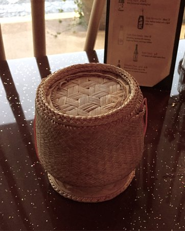 Rocky Hill, CT: Authentic food here. They even served sticky rice in this little bamboo basket!