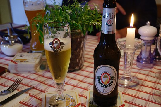 Wangen, Germania: Good beer can be enjoyed while visiting with your friends to reminisce about our school years.