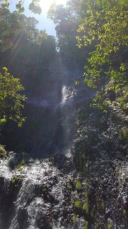 Parque Nacional La Tigra: La Cascada es agradable llegar a este punto y tomar los alimentos en este punto.