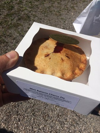 Lake Leelanau, มิชิแกน: little cherry pie