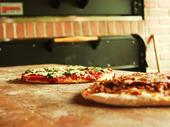 Cobble Hill, Canadá: Pizza baked in our wood-fire brick-oven.