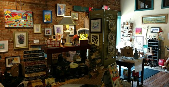 Prairie du Chien, WI: Treasures inside the shop