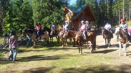 Cranbrook, Canada: getting ready to ride