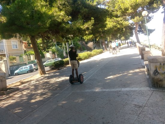 NewWaySardinia: Wizzing through cagliari