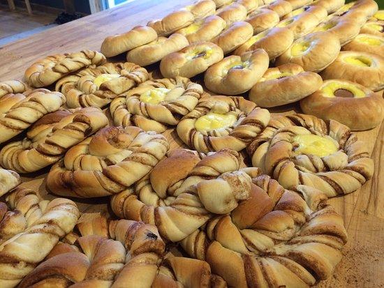 เฟลกเกฟยอร์ด, นอร์เวย์: Tollboden Bakeri