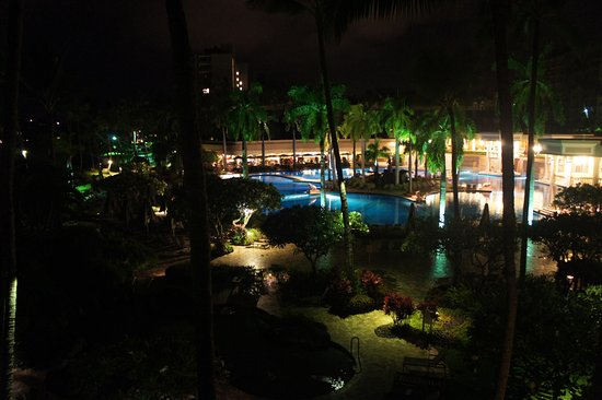 Marriott's Kaua'i Beach Club: Our balcony view at night.
