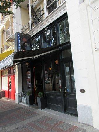 Brasserie L'ecole: Entrance