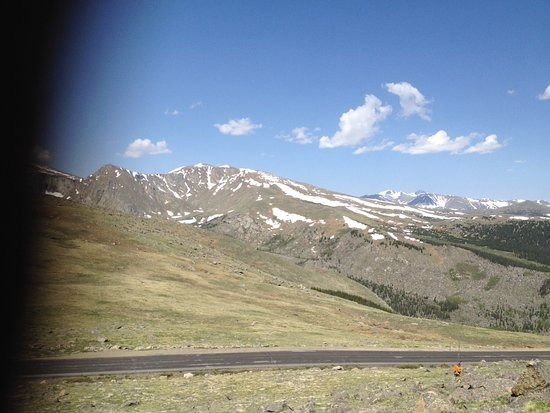 Mount Evans: Mountian view from 10000 feet