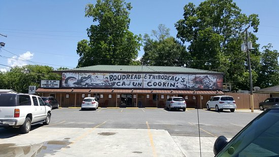Houma, LA: Very good food. Best oysters I have had in a long time.
