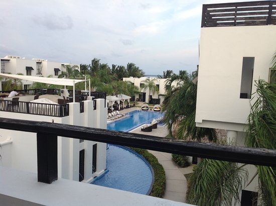 Las Terrazas Resort: View from patio overlooking restaraunt and pool.