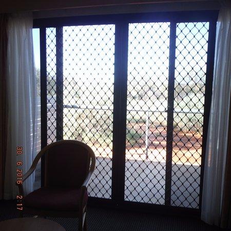 Kings Canyon Resort: vue de la chambre sur le bush