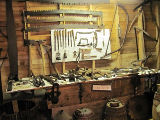 Stewiacke, Kanada: museum display - tools from by gone era