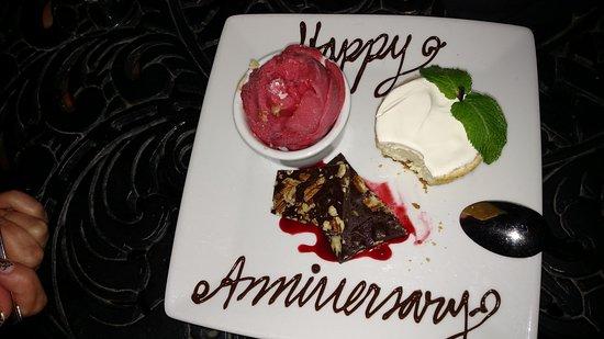 Ruth's Chris Steak House: Happy Anniversary Surprise Dessert