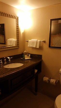 โรงแรมฮิลตัน นวร์ก เพนน์ สเตชั่น: Small, but clean