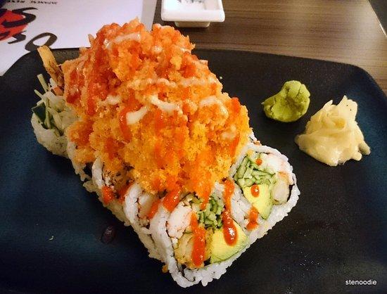 Markham, كندا: Spicy Orange Dragon Roll