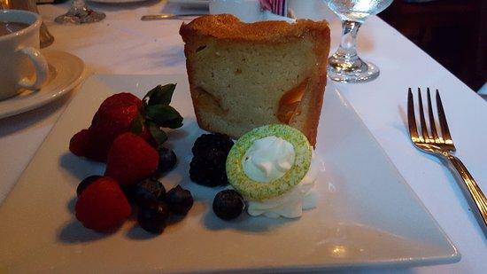 Elkridge, MD: gginger peach cake with berries