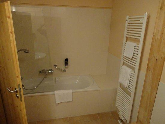 Senftenberg, Germany: Bathroom - other side