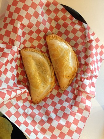 Mission Viejo, كاليفورنيا: Numbers in the corner identifiy which empanada you've bought, smart!