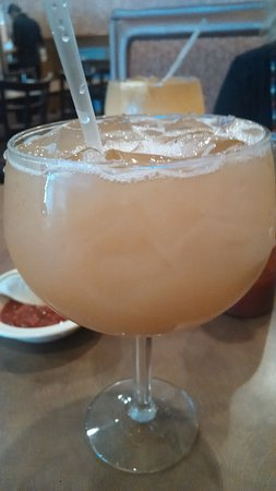 West Jefferson, Kuzey Carolina: Jumbo Peach Margarita.