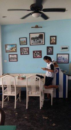 Ban Chang, Ταϊλάνδη: อีกมุมของโต๊ะนั่ง