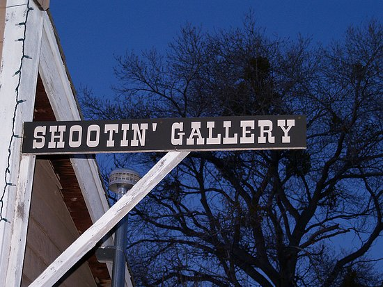Cottonwood, Αριζόνα: Blazing M Ranch Western Town Shooting Gallery
