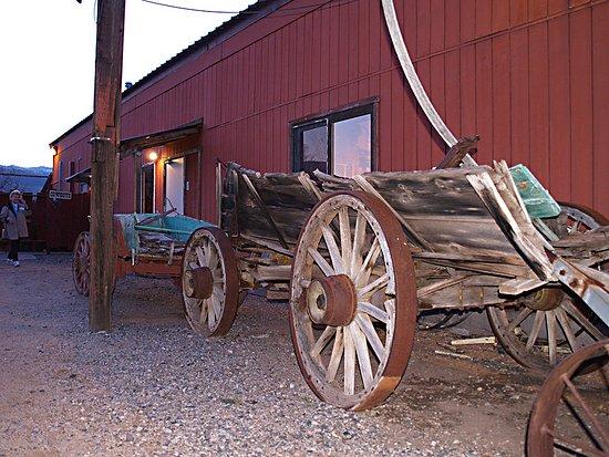 Cottonwood, AZ : Blazing M Ranch Western Town Wagon